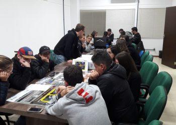 VISITA DOS ALUNOS DA UDESC CEPLAN DE SÃO BENTO DO SUL AO FITEJ|LAB